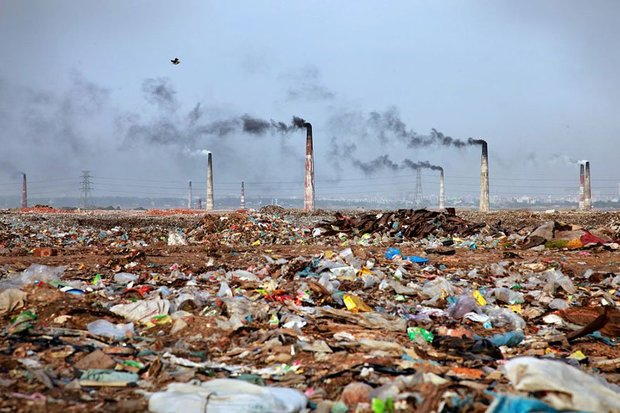 20-shocking-photos-of-humans-slowly-destroying-planet-earth-17.jpg